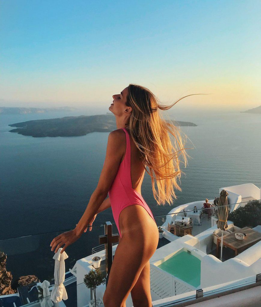 Destinos de vacaciones de las influencers Laura Brunet THE-ARE